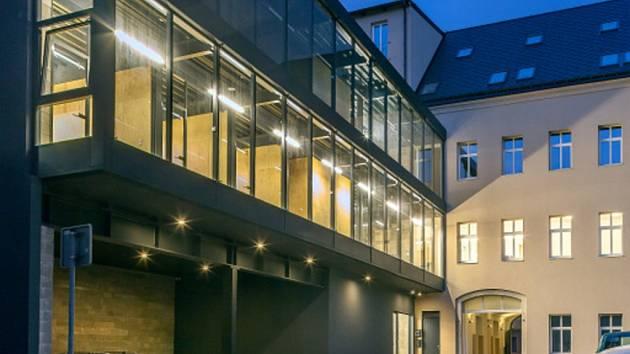 HLAVNÍ CENA a cena za rekonstrukci patří přestavbě domu U Páva v ulici 8. března v Liberci, investor firma Asano.