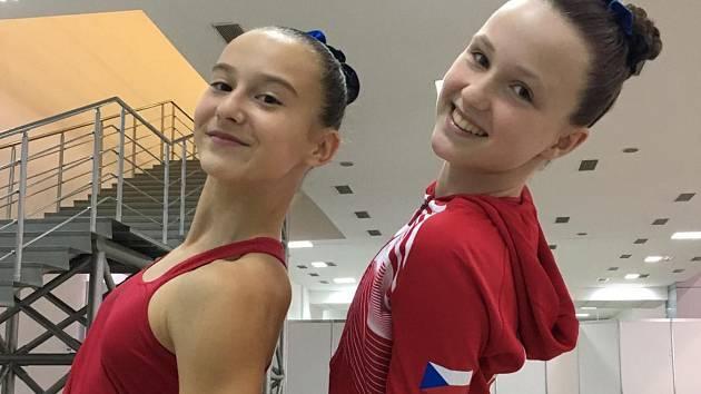 ÚSPĚŠNÉ DUO. Veronika Uchytilová a Laura Urválková.