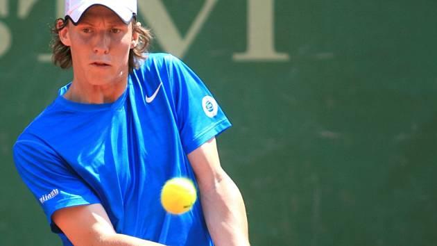 PORAŽENÝ. S turnajem se v 1. kole rozloučil liberecký tenista Lubomír Majšajdr.