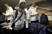 Snowboardistka Šárka Pančochová na letišti Praha-Kbely, odkud 30. ledna ráno odcestovala první část české výpravy na olympijské hry v Soči.