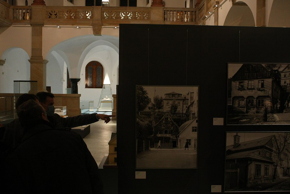 V pondělí 28. prosince proběhlo po třech letech slavnostní znovuotevření Severočeského muzea. Kvůli epidemii koronaviru se přesunulo do on-line prostoru.