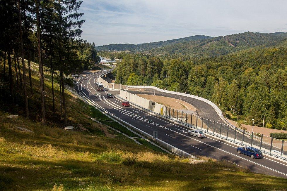 Silnice I/14 Kunratice – Jablonec nad Nisou na snímku z 11. září.
