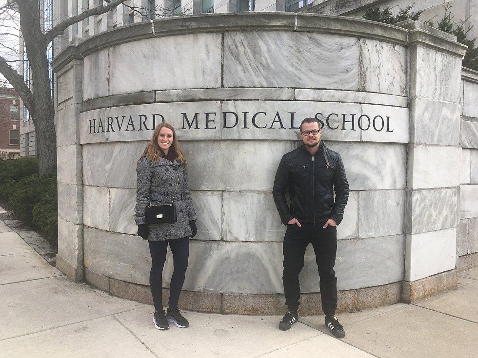 Markéta Klíčová a Jakub Erben na Harvardu.