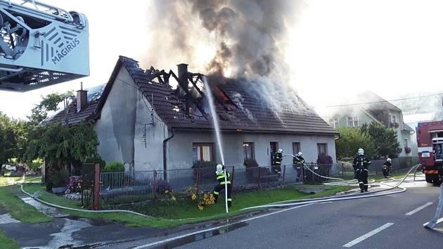 Požár domu v Hodkovicích nad Mohelkou