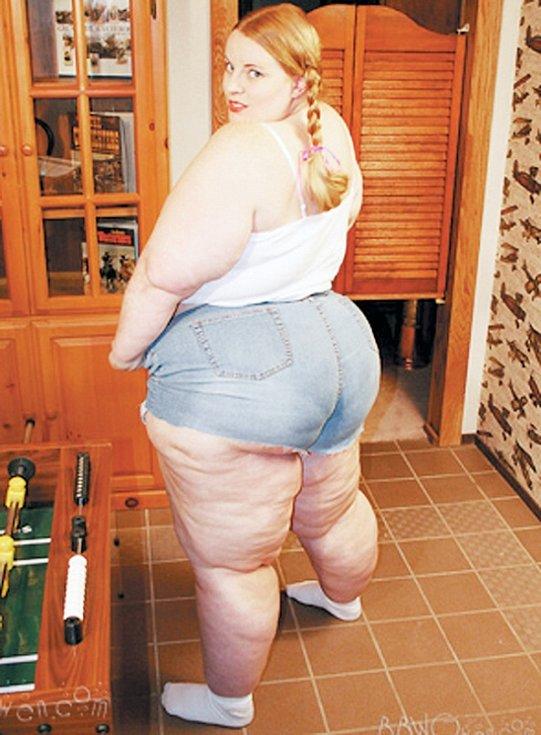 Gwen. Jedna z prvních profesionálek, která na webu prodává svoje fotky. Váží 170 kilo. Její osobní stránky jsou však mimo provoz.
