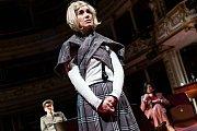 Liberecké divadlo uvádí v premiéře adaptaci Dostojevského románu Běsi.