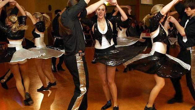 12.reprezentační ples Centra Bábylon a společnosti Fair Play v sále Expo v Bábylonu.