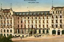 HOTEL ZLATÝ LEV prochází rekonstrukcí, která by mu měla vrátit podobu, jakou měl při slavnostním otevření v roce 1906 (na snímku)