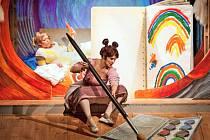 Barbora Kubátová ve hře Naivního divadla