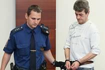 K dvacet pěti letům odsoudil dnes krajský soud v Liberci jednapadesátiletého Františka Fejfara za vraždu jeho známého.