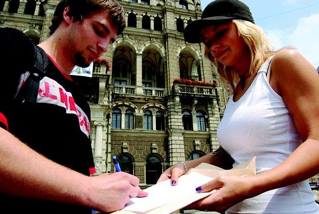 Petici podepsal i Tomáš Fišer.
