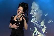 Po pražské Lucerně uvedla svůj narozeninový koncert v úterý večer v liberecké Tipsport areně Lucie Bílá.