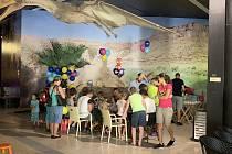 Děti si užily hrátky s dinosaury.