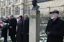 Slavnostní shromáždění u busty T.G.Masaryka