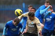 POSLEDNÍ PODZIMNÍ UTKÁNÍ juniorského týmu Slovanu Liberec skončilo ziskem tří bodů. Liberečtí mladíci porazili Táborsko 2:1.