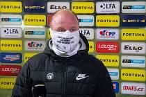 Trenér Slovanu Liberec Pavel Hoftych při pozápasovém hodnocení pro stanici O2 TV Sport.