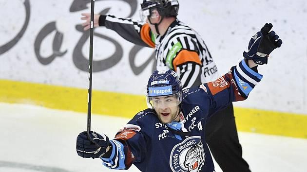 Radan Lenc opouští Bílé Tygry a míří do KHL, kterou bude hrát v dresu Amuru Chabarovsk.