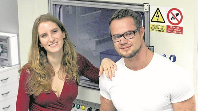 Mladí vědci z Liberce Markéta Klíčová a Jakub Erban se budou zabývat vývojem umělé ledviny pomocí nanotechnologií v prestižním americkém ústavu při Harvardu.