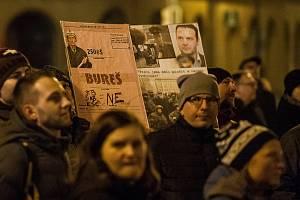 Demonstrace v reakci na jmenování člena KSČM Zdeňka Ondráčka do čela sněmovní komise pro kontrolu Generální inspekce bezpečnostních sborů (GIBS) proběhla 5. března v Liberci.
