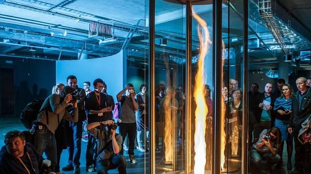 V libereckém science centru s planetáriem finišují přípravy na otevření. Návštěvníky čeká na 400 interaktivních exponátů. Na snímku ohnivé tornádo, jehož pořizovací cena je několik milionů korun.
