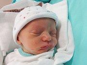 ADAM KYSELA Narodil se 14. srpna v liberecké porodnici mamince Martině Kyselové z Liberce. Vážil 2,69 kg a měřil 48 cm.