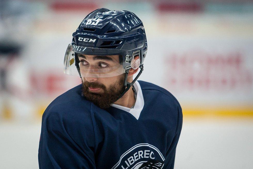 První trénink sezony 2018/19 na ledě hokejistů extraligového týmu Bílí Tygři Liberec proběhl 16. července v Liberci. Na snímku je Marek Zachar.