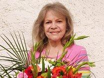EVA PILAROVÁ. Zpěvačka a herečka rozjížděla svou uměleckou dráhu v 60. letech.