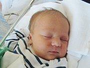 TOMÁŠ TICHÝ Narodil se 3. června v liberecké porodnici mamince Lence Tiché z Proseče pod Ještědem. Vážil 3,95 kg a měřil 53 cm.