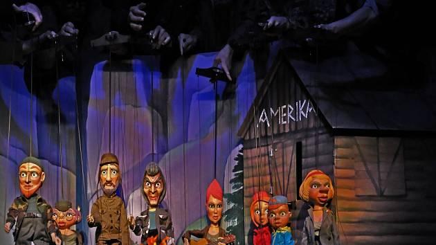 V Naivním divadle měla premiéru inscenace O hodinu navíc aneb Potlach v hustníku.
