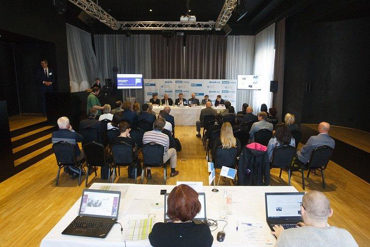 Setkání s hejtmanem Libereckého kraje na téma Studuj tady, pracuj tady – podpora technického vzdělávání v Libereckém kraji.