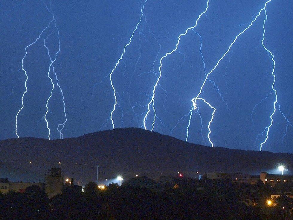 Noční bouřka nad Libercem