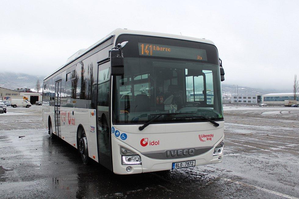 Společnost ČSAD Liberec představila přírůstek do svého vozového parku – sedmnáct autobusů značky Iveco.