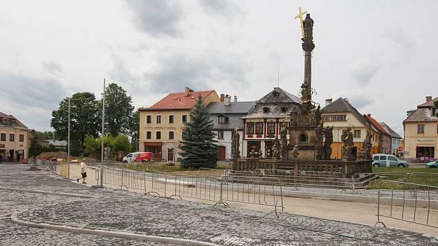 Rekonstrukce náměstí v Jablonném v Podještědí.