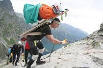 ZATÍMCO výstup na Rysy úspěšný byl, na Mt. Blancu si vybralo počasí svoji daň. Přesto ho chtějí šerpové pokořit příští rok.