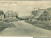 SMĚDAVA ZE 30. LET vypadala úplně jinak než ta dnešní. Zámeček z historické pohlednice již dávno strávil oheň.