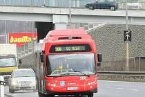 Autobusy MHD nemají výjimku z placení mýtného.