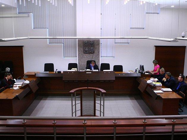 Soud v Liberci s 23 zastupiteli.