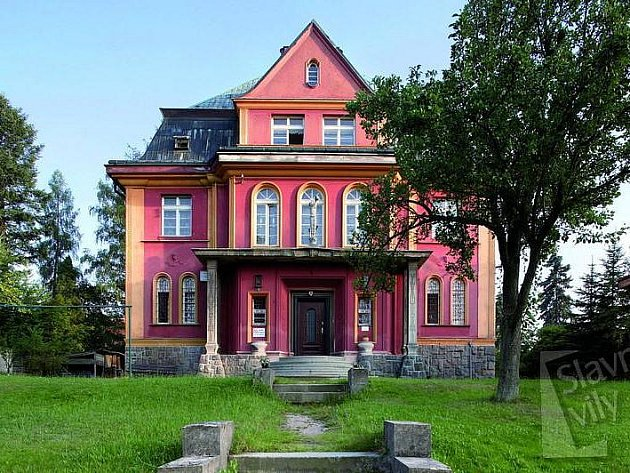 Předválečná Simonova vila na Husově ulici v Liberci.
