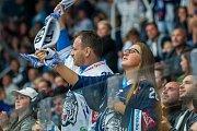 Utkání 9. kola Tipsport extraligy ledního hokeje se odehrálo 1. října v liberecké Home Credit areně. Utkaly se celky Bílí Tygři Liberec a HC Dynamo Pardubice. Na snímku je fanynka Liberce.