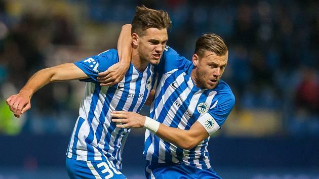 Zápas 10. kola první fotbalové ligy mezi týmy FC Slovan Liberec a SK Sigma Olomouc se odehrál 29 září na stadionu U Nisy v Liberci. Na snímku zleva Taras Kacharaba a Radim Breite.