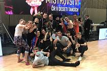Tanečníci z klubu TK Koškovi Liberec zaznamenali na MČR v deseti tancích velké úspěchy.