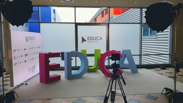 EDUCA ONLINE byla zahájena vysíláním dvou specializovaných mediálních studií