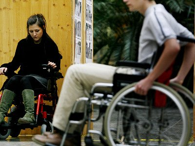 POSTIŽENÉ DĚTI. V Liberci může být rozdíl v tom, jestli máte dítě postižené mentálně nebo tělesně. Ti mentálně postižení na tom mohou být při posuzování úředníků hůře.