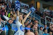 Utkání 9. kola Tipsport extraligy ledního hokeje se odehrálo 1. října v liberecké Home Credit areně. Utkaly se celky Bílí Tygři Liberec a HC Dynamo Pardubice. Na snímku je tygří roztleskávačka Tigers cats.