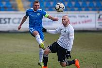 Zápas 19. kola první fotbalové ligy mezi týmy FC Slovan Liberec a MFK Karviná se odehrál 3. března na stadionu U Nisy v Liberci. Na snímku zleva Vladimír Coufal a Peter Štepanovský.