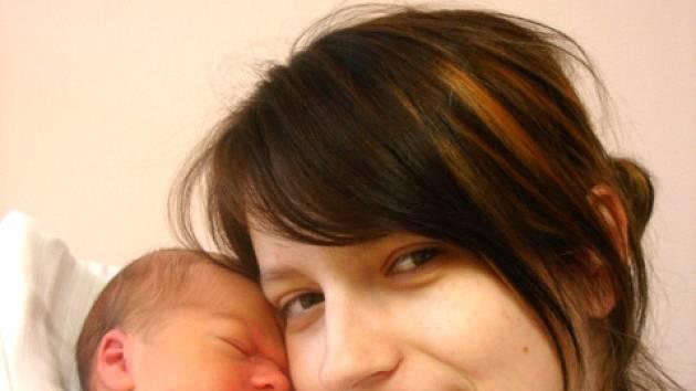 Maminka Pavlína Francová z Liberce v liberecké porodnici dne 13.10.2008 porodila Jana Davida Mináře, který vážil 3,43 kg a měřil 51 cm.
