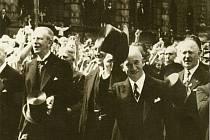 Karlu Kostkovi (vlevo) se podařilo v roce 1936 pozvat do Liberce i prezidenta Edvarda Beneše, který tu hovořil o potřebě dobrých vztahů mezi Němci a Čechy.