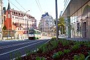 Dnes od brzkého rána brázdí po několika měsících opět centrem města tramvaje.