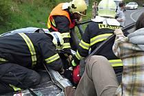 Dvě těžká zranění při nehodě u Jeřmanic, zasahoval i vrtulník