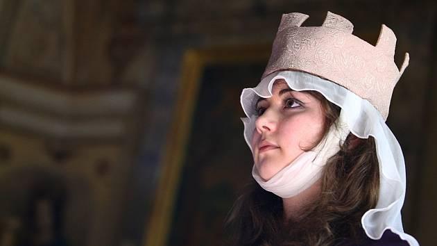 Patronkou hradu je svatá Barbora.